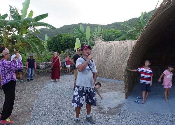 貴賓與藝術家及部落族人合照